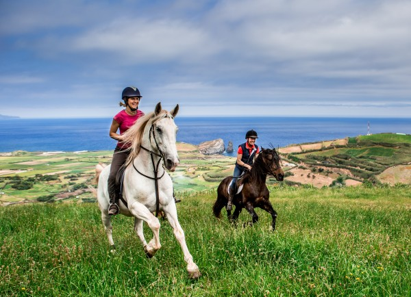 Rideferie-Azorene-forside